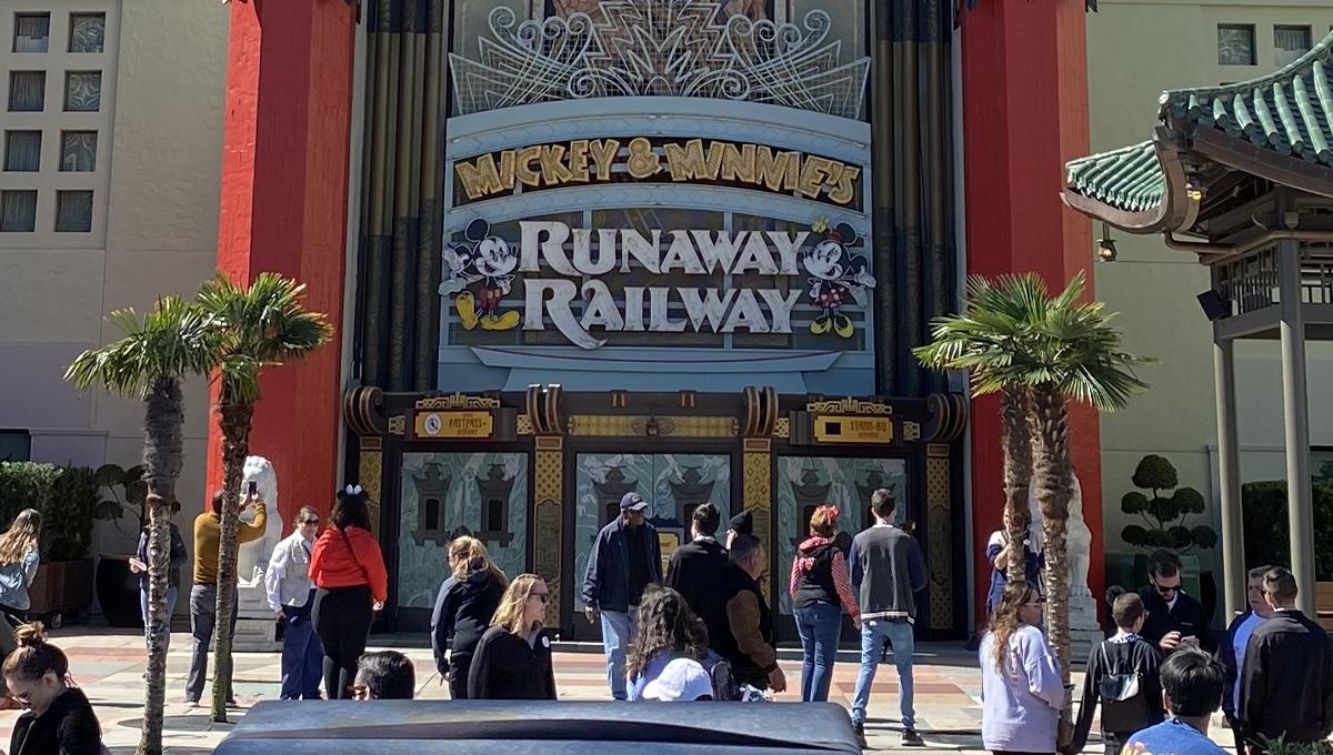 O Mickey & Minnie's Runaway Railway acaba de ser inaugurado em Orlando