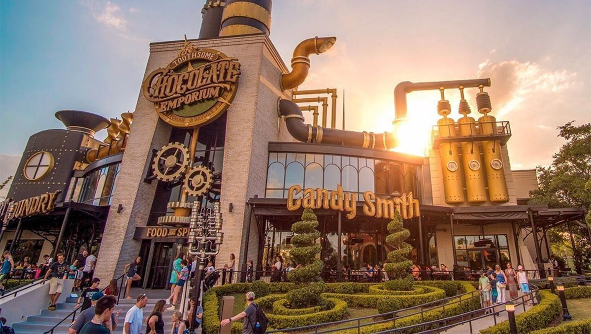 Fábrica de chocolate Steampunk de Orlando reabriu oficialmente recentemente
